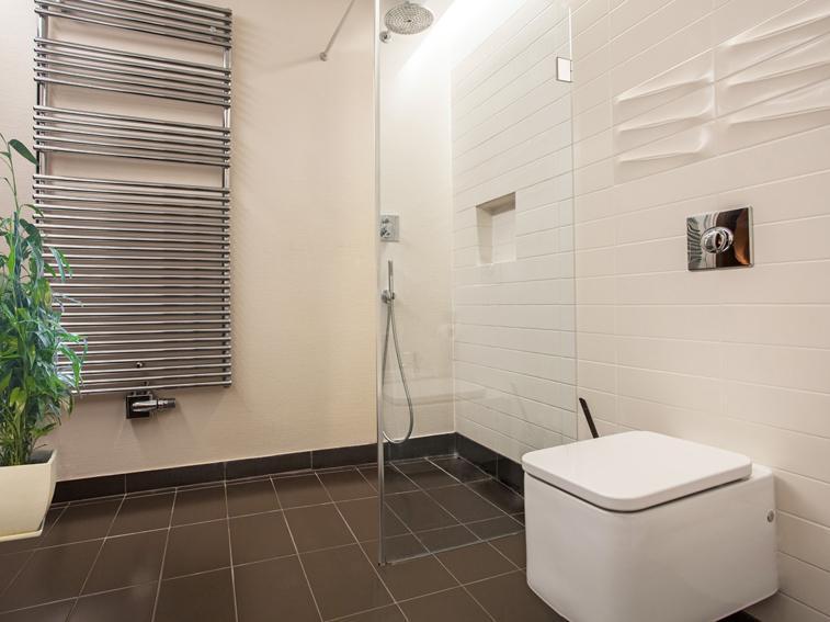 Dusche reinigen: Fliesen, Fugen und Duschkabine - Ratgeber